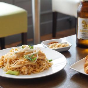 Pad Thai and beer